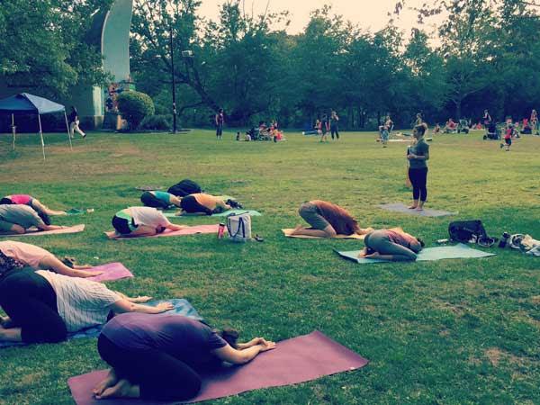 medford-farmers-market-yoga